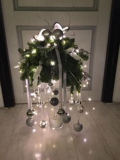 30 Magical Christmas Centerpieces – Welcome My World Christmas Vases, Christmas Arrangements, Magical Christmas, Christmas Table Decorations, Silver Christmas, Outdoor Christmas, Rustic Christmas, Christmas Home, Christmas Holidays