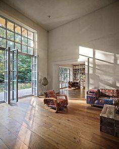 Artist's House in Würenlos, Switzerland by Andreas Fuhrimann Gabrielle Hächler Architekten.  #afgharchitects #andreasfuhrimann #gabriellehachler #würenlos #switzerlandlowsheenstudio