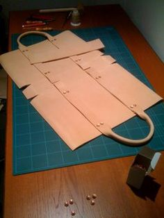 indigofan: Making Leather Tote