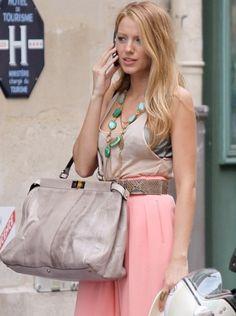 Blake Lively Goes Fendi Peekaboo In Paris Blake Lively Moda, Blake Lively Gossip Girl, Blake Lively Style, Gossip Girl Fashion, Fashion Idol, Fashion Fashion, Street Fashion, Moda Gossip Girl, Summer Looks