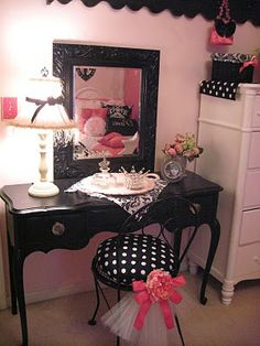 pink and black bedroom...Beauty is my passion.... http://aprioribeauty.com/IC/KathysDaySpa www.facebook.com/pages/Professional-Skincare-My-New-Passion/513031122073392