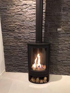 Living Room Interior, Living Room Decor, Log Burner, Stoves, Wood Burning, House Ideas, Home Appliances, Design, Wall