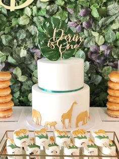 Check out the awesome birthday cake at this Jungle themed birthday Party See more party ideas and share yours at Safari Party, Safari Birthday Cakes, Jungle Theme Cakes, Safari Baby Shower Cake, Jungle Theme Birthday, Safari Cakes, Wild One Birthday Party, Baby Boy 1st Birthday, Jungle Party