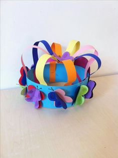 Jewellery For Lady - Crazy Hat Day, Crazy Hats, Hat Crafts, Diy And Crafts, Arts And Crafts, Preschool Crafts, Easter Crafts, Diy For Kids, Crafts For Kids