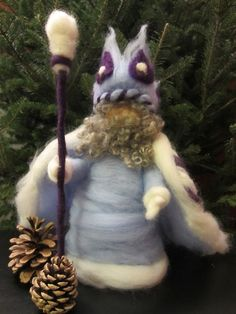 Tutorial: how to make a king winter needle felted waldorf doll. No support structure at all, just needle felted roving!