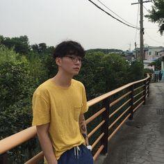 Image about ulzzang boy in /🦋\Ulzzang/🦋\ by Unknown Everything Boys Korean, Korean Boys Ulzzang, Ulzzang Couple, Ulzzang Boy, Asian Boys, Asian Men, Harajuku, Indie, Korea Boy