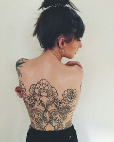 Reminds me so much of Hannah Snowdons back, I love it More #backtattoos