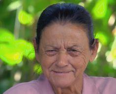 Canadauence TV: Mãe reencontra filho depois de 43 anos de separaçã...