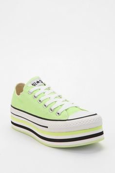 Converse Chuck Taylor All Star Low-Top Flatform-Sneaker  #UrbanOutfitters