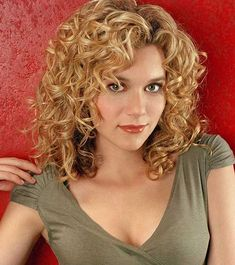 hairstyles short hairstyles african american hair pictures hairstyles using straightener hairstyles devacurl hairstyles with bangs the side curly hairstyles hairstyles jasmine brown hairstyles for 70 year old woman hairstyles receding hairline Side Curly Hairstyles, Hairstyles For Receding Hairline, Haircuts For Curly Hair, African Hairstyles, Wig Hairstyles, Curly Bangs, Curly Blonde, Medium Curly, Short Wavy Hair