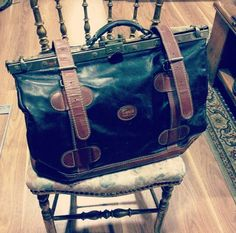 Diligence bag vintage