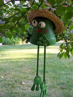 Frog Windchime - terra cotta pot- :)