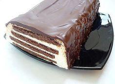 Этот ОЧЕНЬ вкусный тортик, готовится ОЧЕНЬ просто!  Такой рецептик должен быть на подхвате у любой хозяюшки, на все случаи жизни!    РЕКОМЕНДУЮ ПОПРОБОВАТЬ!    Ингредиенты:  Печенье шоколадное – 300 гр.  Творог – 2 пачки (360гр)  Сметана – 300-400 гр.  Сахар – 150 гр. (на