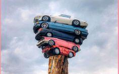 Stramberie, news e curiosità dal web Tante le curiosità e le notizie strambe provenienti dal web e dal mondo: strani monumenti con auto impilate una sull'altra; matrimoni che vanno a monte e senza tetto che ne beneficiano; ladri imbrana #news #notizie #curiose #strambo