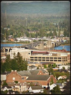 Aberdeen Wa 2017 Chehalis River Bridge In Foreground With Mcdermoth Elementary School Center