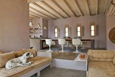 Home Tour: conforto e designer natural na Grécia