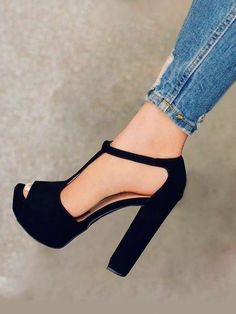 8 Limitless Tips AND Tricks: Fashion Shoes Art in her shoes quotes.Prom Shoes For Tall Girls full height shoes cabinet. Pretty Shoes, Beautiful Shoes, Cute Shoes, Me Too Shoes, Heeled Boots, Shoe Boots, Shoes Heels, Tan Shoes, Louboutin Shoes