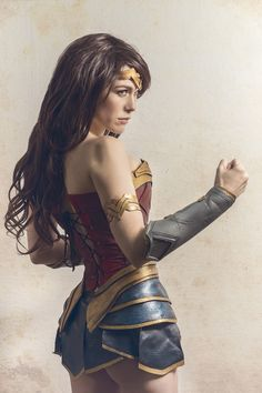 Cosplay de Wonder Woman interpretado por Lilia Lemoine