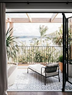 MAJOR PAITO GOALS. Look at that view. Would that ever get old? Sydney Vacation Home by Alexander & Co.