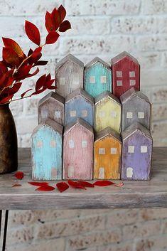 Drevené domčeky OLD TOWN / bySue - - Handmade Dekorácie - woodenhouses Scrap Wood Crafts, Wooden Crafts, Ceramic Houses, Wood Houses, Wood Scraps, Pintura Country, Driftwood Art, Miniature Houses, Wood Toys