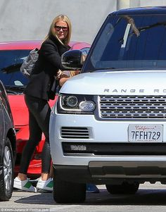 Mom on duty!Gwyneth Paltrow made it a girls-only excursion with 10-year-old daughter Appl...