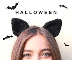 Free Pattern: Halloween Crochet Cat Ears We want to give you a gift of a free Halloween themed pattern: Crochet Cat Ears. To knit your Cat Ears, we recommend you use crochet needles. Gato Crochet, Crochet Bat, Crochet Pumpkin, Crochet Beanie, Crochet For Kids, Crochet Crafts, Free Crochet, Headband Crochet, Headband Pattern