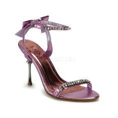 Trop Girly les nu-pieds en satin rose, vous adorerez le style jeune de ce modèle.