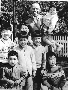 Frank Sinatra in Japan, 1962