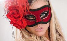 Fashion Bubbles - Moda como Arte, Cultura e Estilo de Vida Conheça a história e veja fotos de máscaras de carnaval
