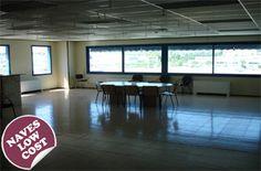 Nave logística en alquiler de 5.278m2 en Granollers, Barcelona -Altura 8 -Patios de maniobras -2 muelles hidráulicos -Recinto privado y vallado  -Insts. en perfecto estado -Puerta de acceso corredera -Vestuarios, aseos, duchas -Protección contraincendios: BIES, alarma, extintores, detección.. -Oficinas acondicionadas -4 puertas TIR -Disponibilidad inmediata -Disponible a precio reducido -Más información: http://www.estradapartners.com/naves/1117/Barcelona.html Estrada & Partners (+34)…