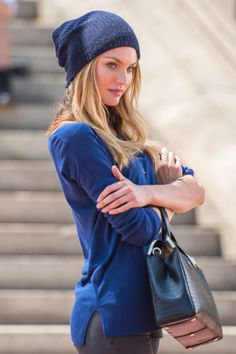 Candice Swanepoel working a hat and a handbag Candice Swanepoel, Michael Phelps, Michael Jordan, African Models, Victorias Secret Models, Irina Shayk, Fashion Beauty, Womens Fashion, Vogue