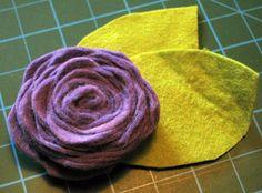 Nähanleitung Filzblume für Taschen, als Brosche, zur Deko usw. - schnell erstellt! | Kostenlose Nähanleitungen | kreative.stoffe.de