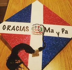 Vielen Dank, Ma und Pa Dominican Graduation Cap - Decoration For Home Graduation Stole, Graduation Diy, Graduation Photos, Graduation Cap Designs, Graduation Cap Decoration, Cap Decorations, Class Of 2019, Grad Cap, My Design