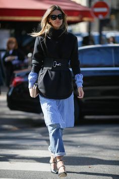 We all know everyone can wear a skirt over pants or double up on tops, but these street style pros take layering to a whole new level. - Total Street Style Looks And Fashion Outfit Ideas Urban Street Style, Looks Street Style, Street Style Trends, Street Styles, Modest Fashion, Fashion Outfits, Womens Fashion, Dress Over Jeans, Estilo Jeans