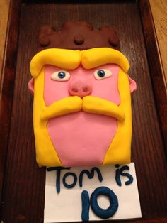 Clash of Clans Barbarian King Barbarian King, Novelty Cakes, Clash Of Clans, Fathers Day Gifts, Birthday Cake, Game, Desserts, Kids, Tailgate Desserts