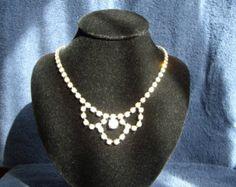 Scelta di bianco o crema perle Swarovski e di BridalDiamantes