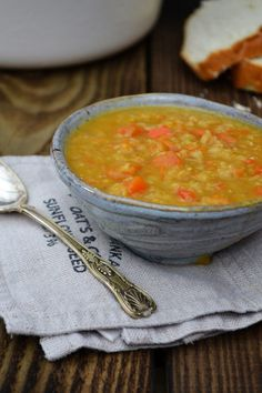Tinned Tomatoes: Fridge Lentil Soup Great for leftover veggies Yellow Split Pea Soup, Vegan Split Pea Soup, Split Pea Soup Recipe, Vegetarian Recipes Easy, Veggie Recipes, Soup Recipes, Healthy Recipes, Vegetarian Food, Pescatarian Recipes