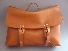Steve Mono | leather bags & other goods for men--I don't care if it's for men; I want this bag!