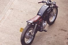 Já confessei anteriormente que sou fã do trabalho da Old Empire Motorcycles, e dessa vez, eles deram outra bola dentro, ao customizar e...
