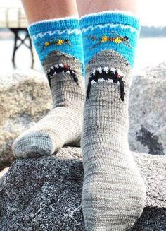 Knitting pattern for Shark Bite socks inspired by Jaws poster