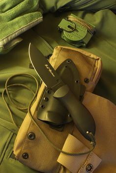 Spyderco FB02BB Bill Moran Drop Point Fixed Blade, Black VG10 Blade, FRN Handles