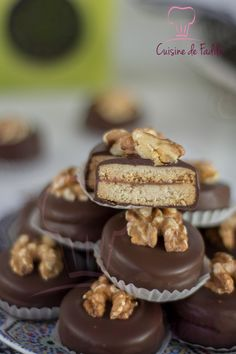 No Cook Desserts, Mini Desserts, Delicious Desserts, Dessert Recipes, Biscuit Cookies, Cake Cookies, Cooking Pork Roast, Cooking Ribs, Tunisian Food