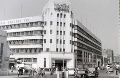 Victoria Coach Station, London, 2 August 1955 by allhails, via Flickr.