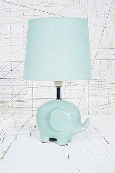 Mintgrüne Lampe In Elefantenform Mit UK Stecker   Urban Outfitters. Fancy   Elephant  Lamp ...