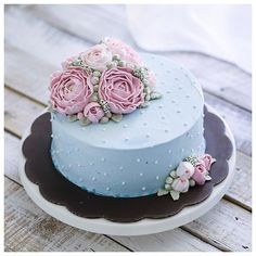 Flowers beautiful birthday floral cake 47 ideas for 2019 Flores Buttercream, Buttercream Flower Cake, Buttercream Birthday Cake, Gorgeous Cakes, Pretty Cakes, Amazing Cakes, Cupcakes, Cupcake Cakes, Birthday Cake Decorating