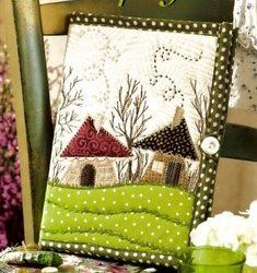 Lovely - to be found in a 2012 issue of Idées Patchwork - would love to find it.
