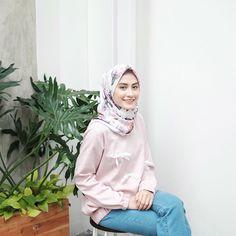 Amy (@helminursifah) • Instagram photos and videos Hijab Outfit, Dress Outfits, Dresses, Hijab Fashion, Women's Fashion, Amy, Ootd, Videos, Instagram Posts
