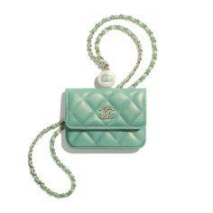 Luxury Purses, Luxury Bags, Irises, Chanel Fashion, Fashion Bags, Boutiques, Coco Chanel, Boutique Haute Couture, Vert Turquoise