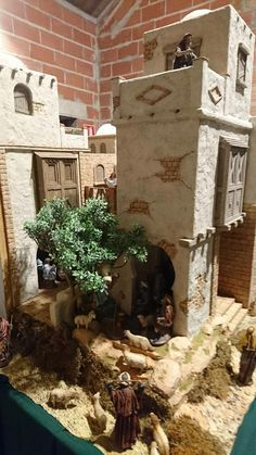 It has been said that collecting classic toy trains in the world's greatest hobby. Many of today's collectors received their first toy train Fontanini Nativity, Christmas In Italy, What Is Miss, Village Houses, Christmas Villages, Miniature Houses, Art Model, Classic Toys, Model Trains