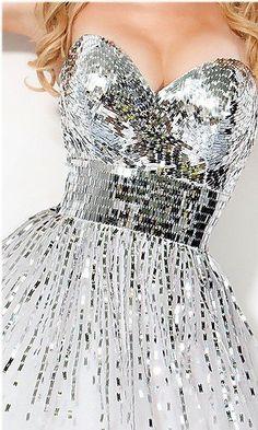 Sparkly disco ball dress, Il colore e' poesia dell'anima